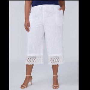 Lane Bryant wide leg white embroidered capri NWT